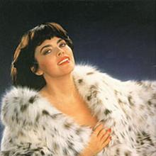 Mireille Mathieu's Profile Photo