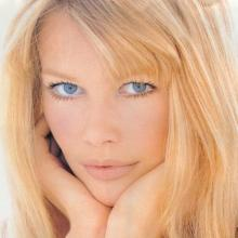 Claudia Schiffer's Profile Photo