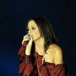 Photo from profile of Sara Evans