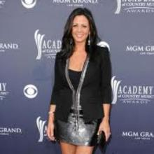 Sara Evans's Profile Photo