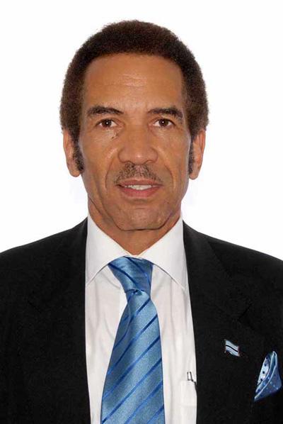 Ian Khama Born February 27 1953 Botswanan Pilot And
